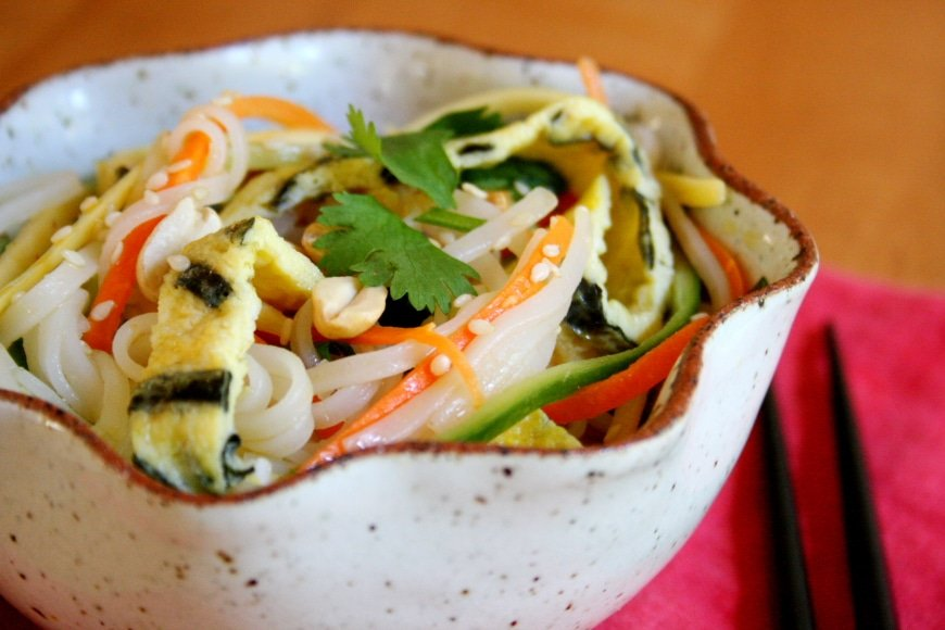 Sesame Rice Noodles with Julienned Vegetables and Eggs