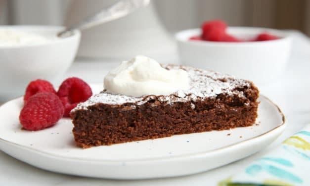 The Easiest Gluten-Free Chocolate Cake!