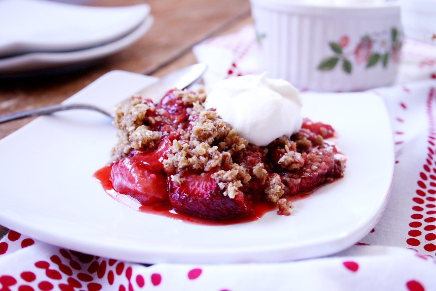 Strawberry Crisp (Gluten-Free, Vegan option)