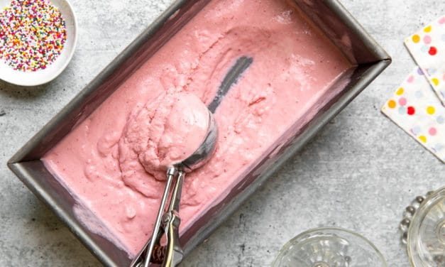 Easy Strawberry Frozen Yogurt Recipe (without an ice cream maker!)