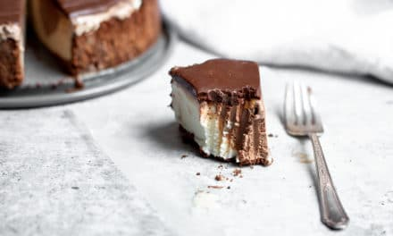Easy Ice Cream Pie Recipe with Fudge Topping (gluten-free!)