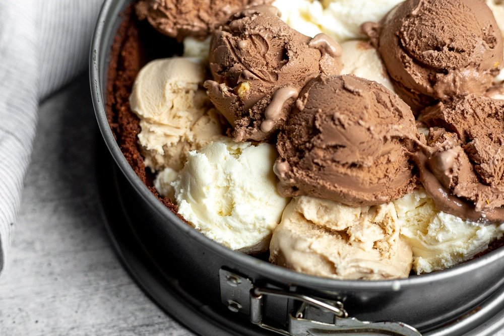 Ice cream scoops in easy ice cream pie crust