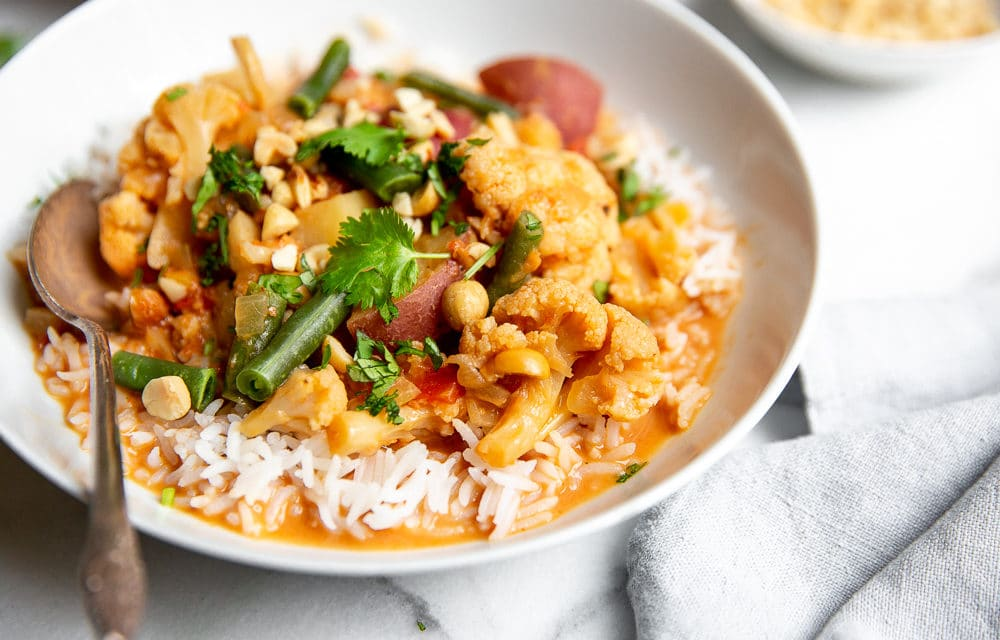Slow Cooker Vegetable Massaman Curry